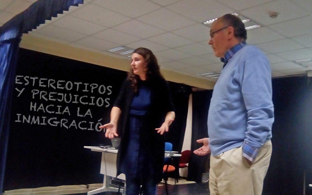 CHARLA/HITZALDIA: ESTEREOTIPOS Y PREJUICIOS HACIA LA INMIGRACIÓN